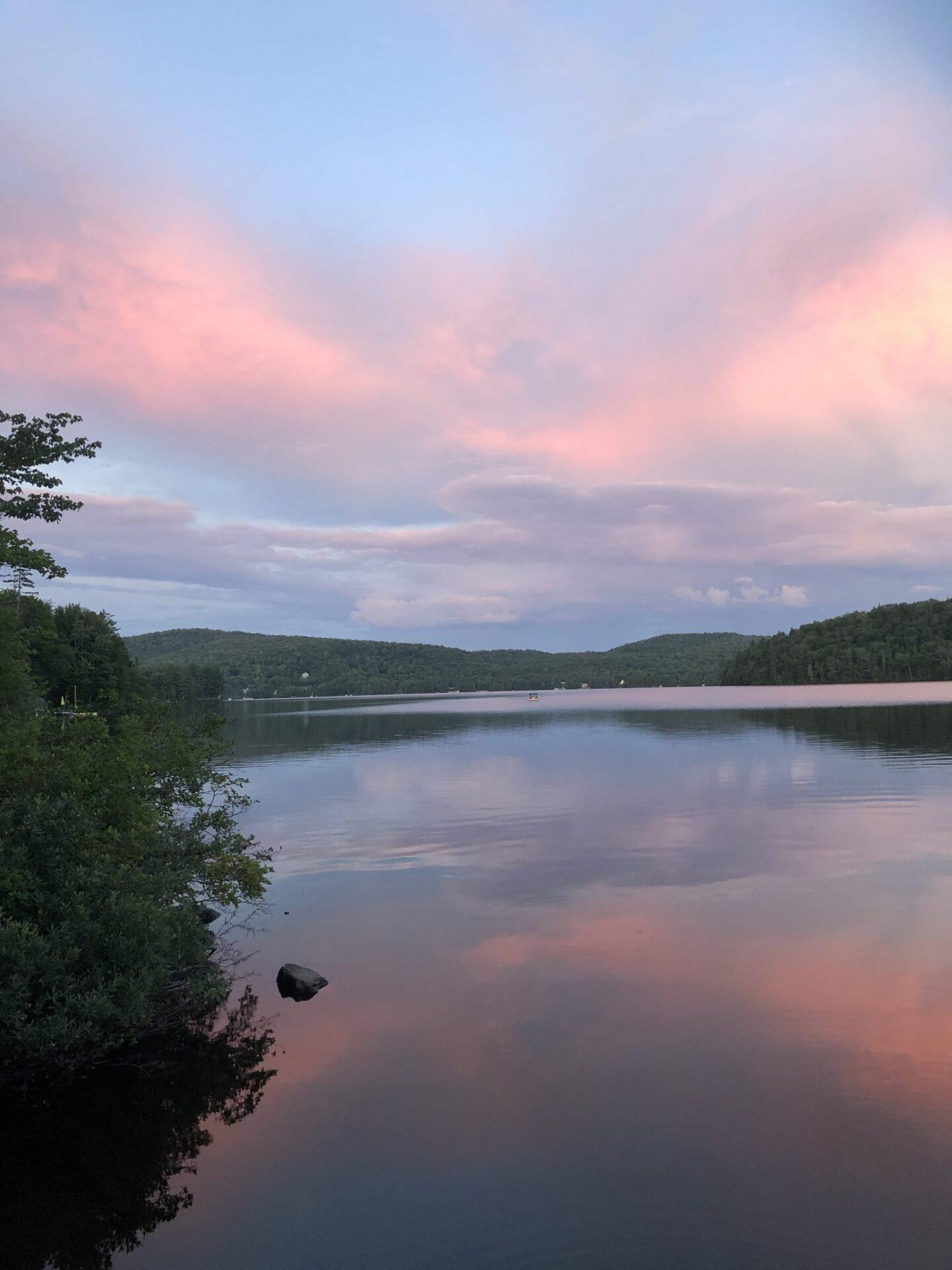 Coucher de soleil au lac Simon