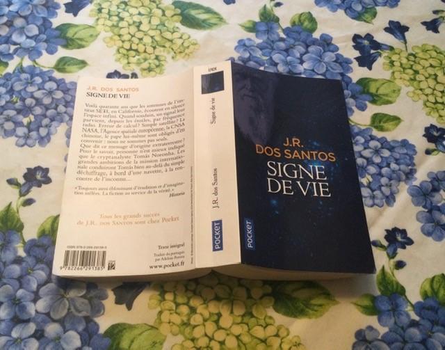 Livre signe de vie et quatrième de couverture